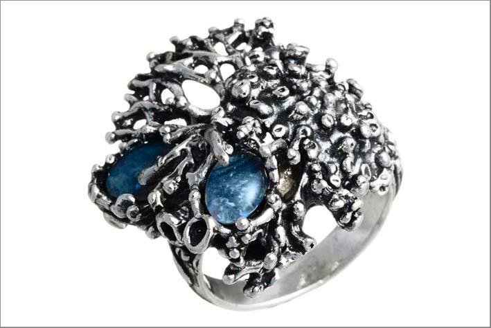 Giovanni Raspini, anello della collezione Nautilus