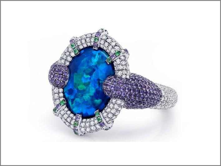 Anello in oro bianco, diamanti, opale
