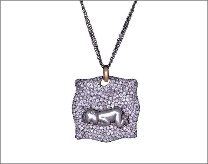 Ciondolo in oro bianco, diamanti e ametiste. Prezzo: 24.000 dollari