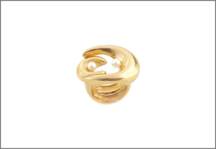Anello ispirato a Brancusi in bronzo dorato