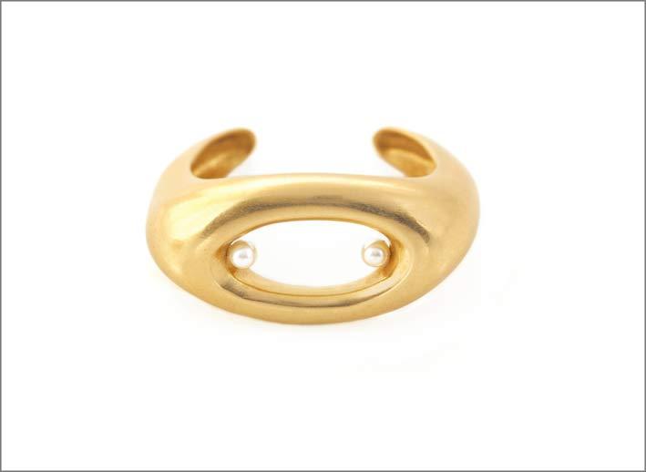 Anello ispirato a Moore in bronzo dorato