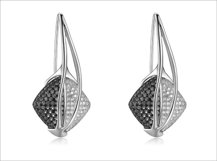 Orecchini pendenti in argento e cubic zirconia