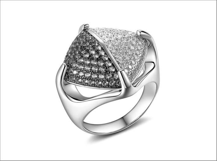 Anello in argento e cubic zirconia