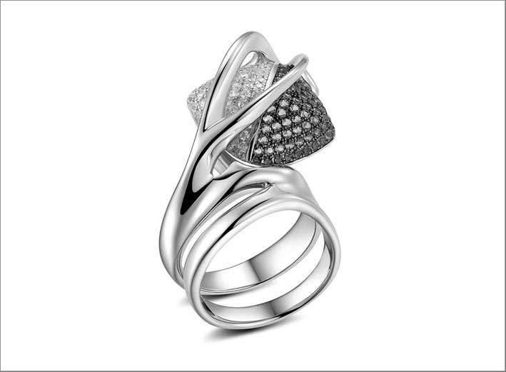 Pianegonda, anello della collezione Arcus