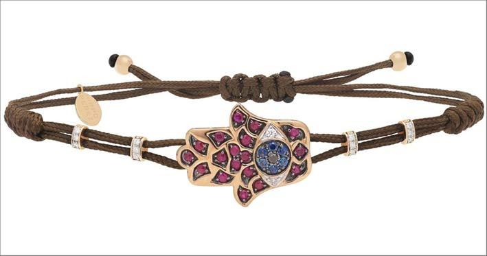 Bracciale in cuoio con mano di Fatima in oro e zaffiri