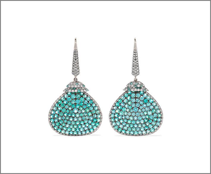 Orecchini in platino, diamanti e tormalina paraiba