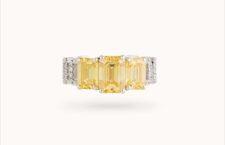 Courbet, alta gioielleria, anello con diamanti fancy yellow sviluppati in laboratorio. Il prezzo è di 29.000 euro