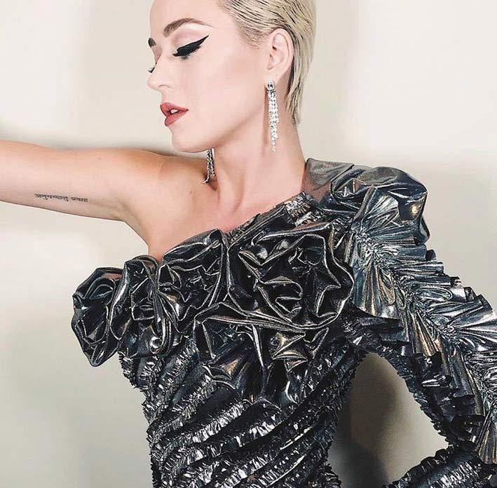 Katy Perry con orecchini di Messika