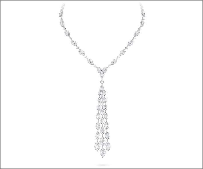 White Diamond Illusion Necklace, indossata da By Bebe Rexha