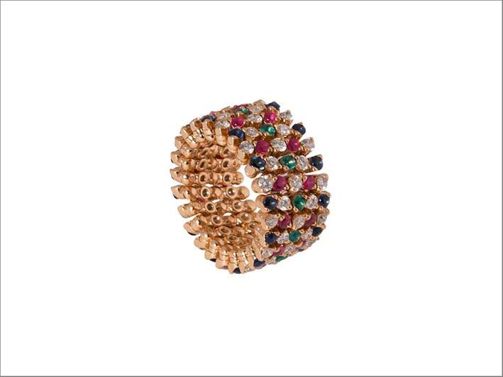Anello in oro rosa, diamanti e pietre di colore