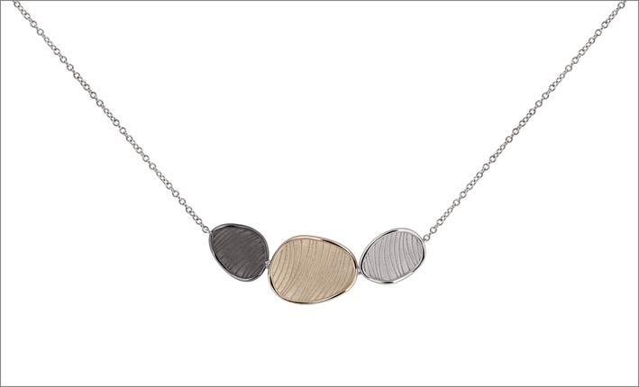 Collana della colelzione Velvet con oro di tre diversi colori