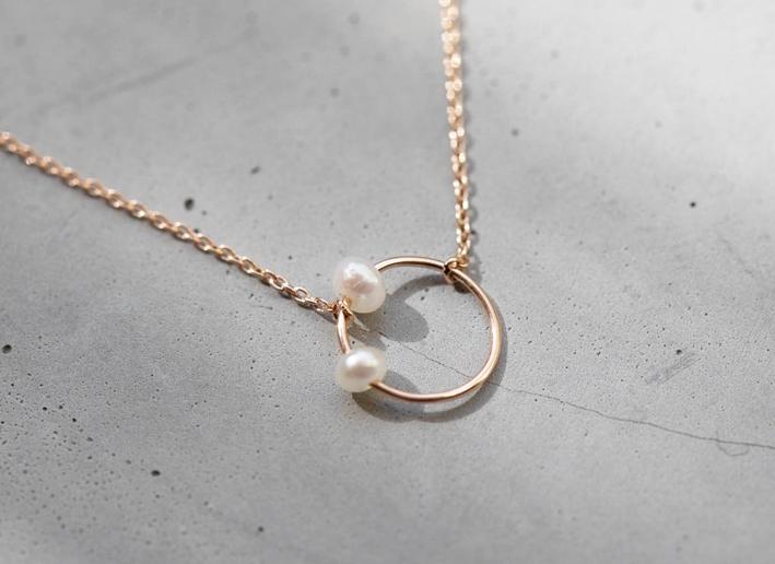 Collana Bloom con ciondolo in oro e perle naturali