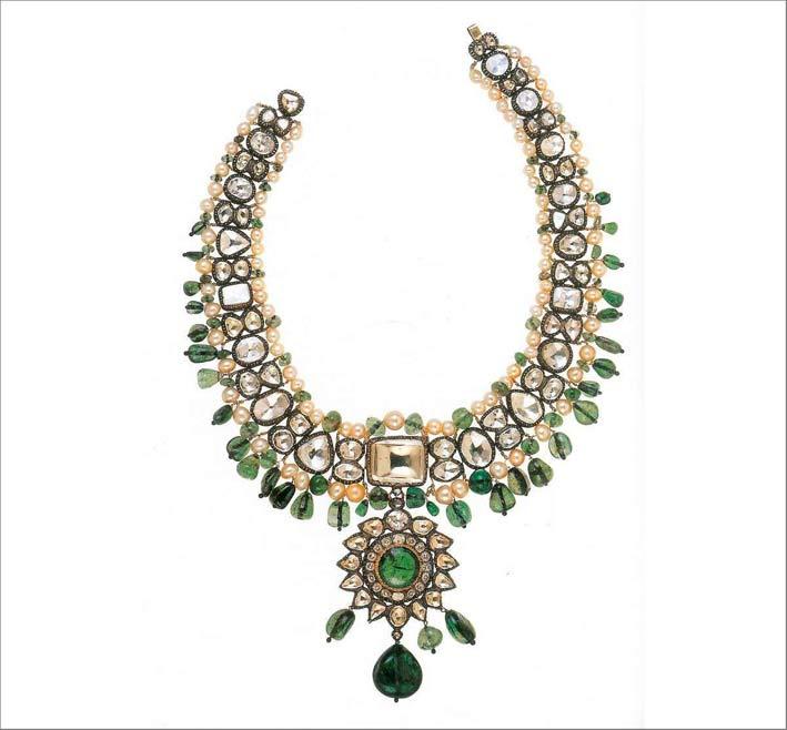 Collana con smeraldi e diamanti