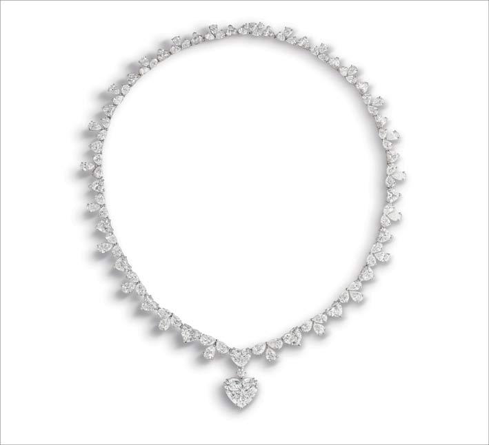 Collana di diamanti con ciondolo di diamante taglio a cuore