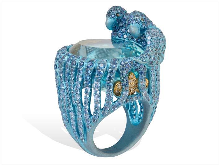 Grande anello in titanio, acquamarina, zaffiri