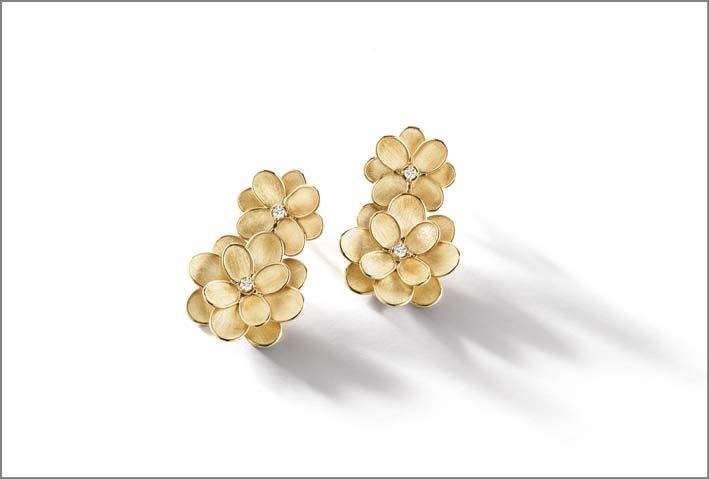 Orecchini pendenti della collezione Lunaria Petali