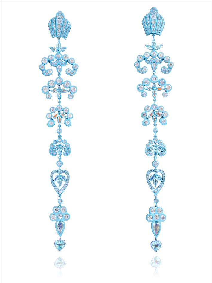 Orecchini pendentidella collezione Marie Antoinette Dark Side