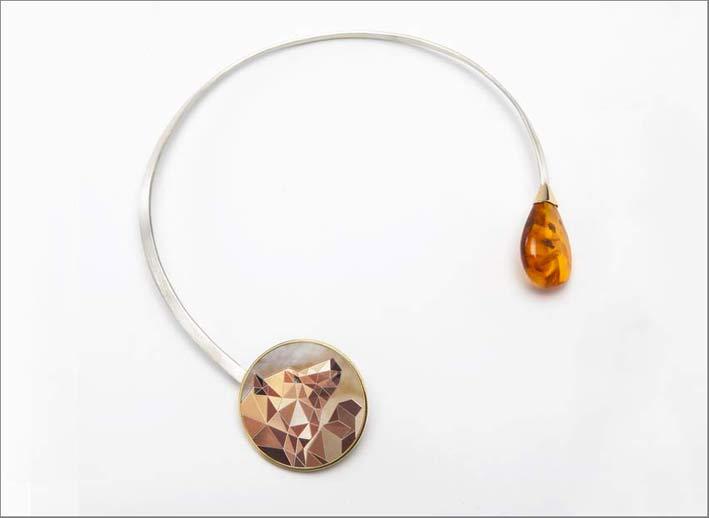 Collana L'Orso e il miele, rappresentato con l'ambra