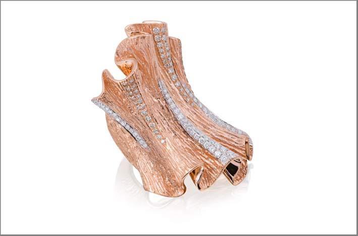 Collezione Imperium, anello in oro rosa e diamanti bianchi e brown