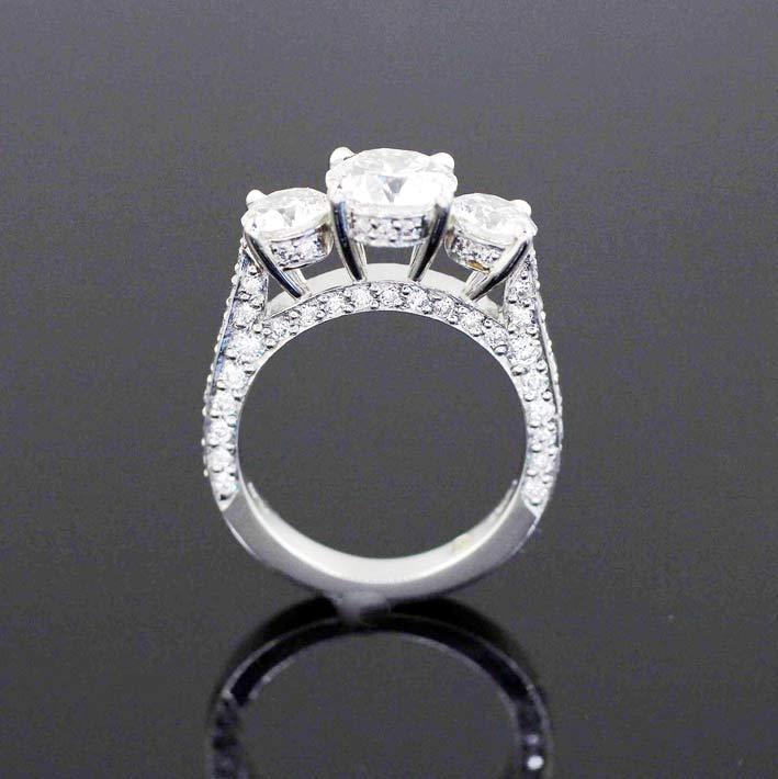 Anello Aileen con tre diamanti