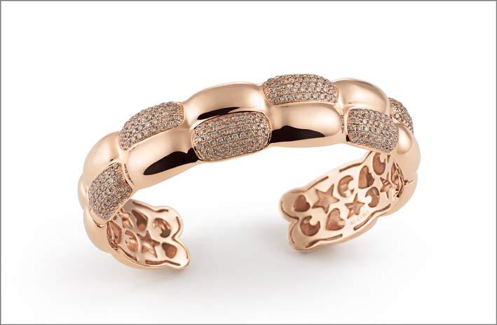 Bracciale in oro e pavé di diamanti della collezione La Piazza