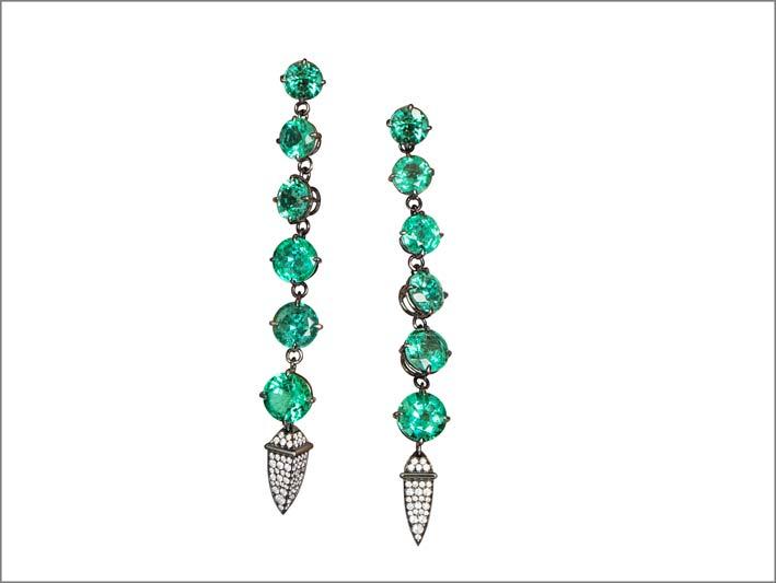 Antonini, orecchini con 12 smeraldi e diamanti