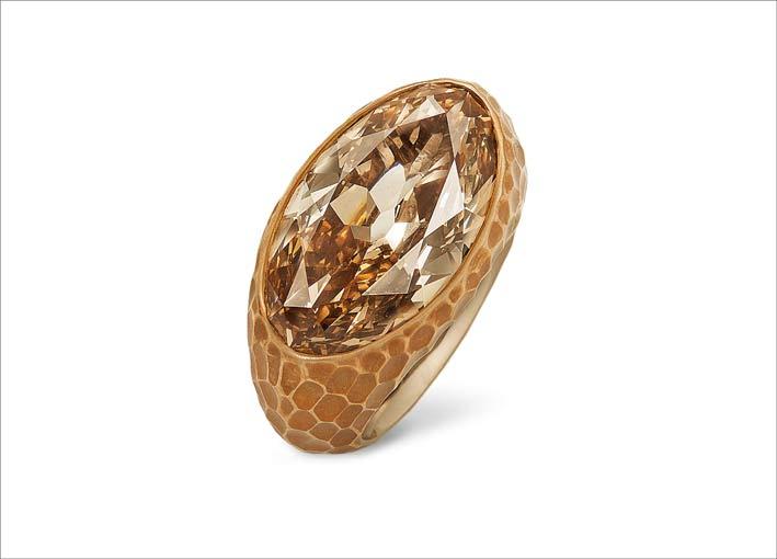 Anello in bronzo, oro bianco e diamante brown