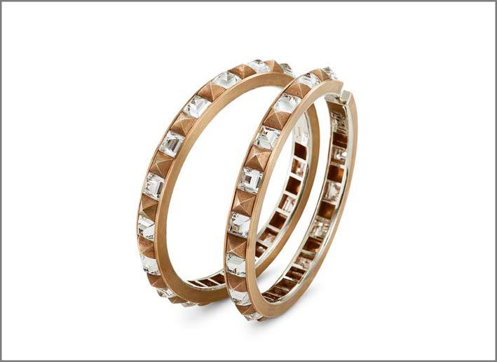 Orecchini in bronzo, oro bianco e diamanti