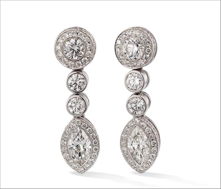 Orecchini in oro bianco 18 carati e diamanti