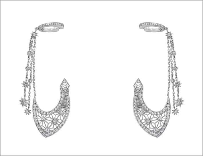 Orecchini della colelzione Muse, in oro bianco e diamanti