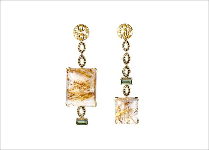 Kohinoor Jewellers, orecchini con oro, tsavorite, quaarzi