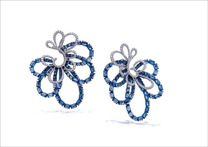 Orecchini titanio, diamanti, zaffiri blu