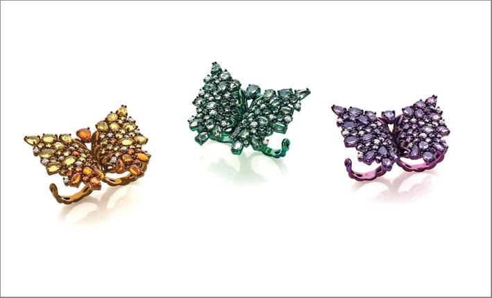 Anelli a forma di farfalla, in titanio e zaffiri verdi, gialli, viola