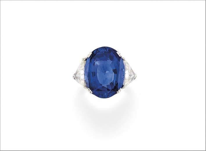 Anello con zaffiro blu di Ceylon