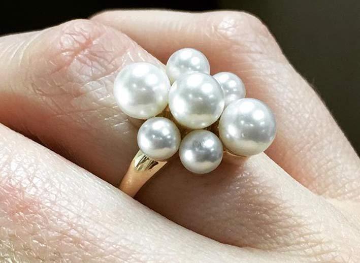 Anello con cluster di perle