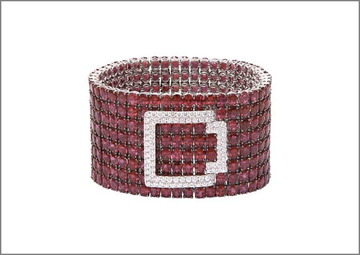 Bracciale con rubini e diamanti