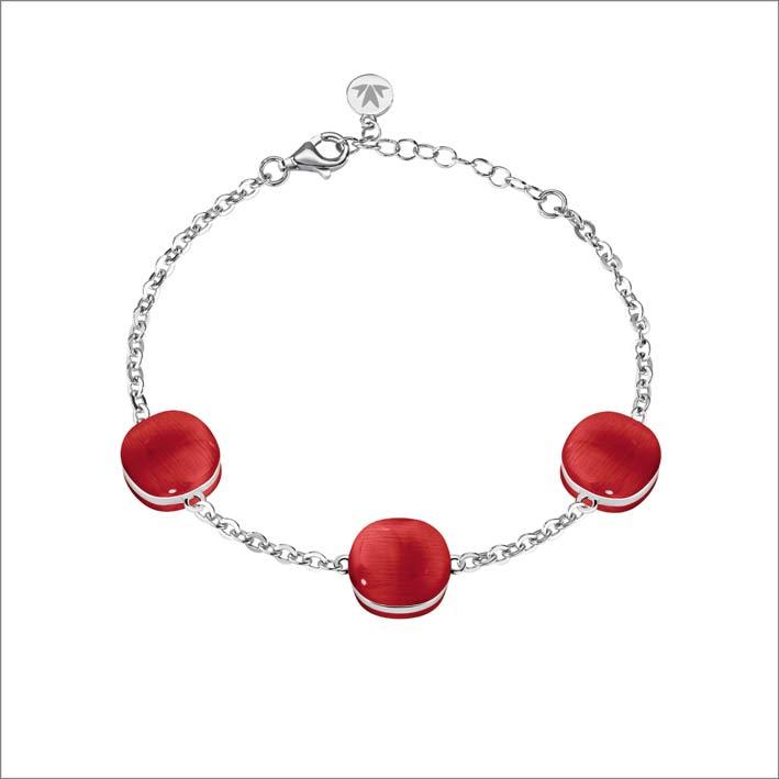 Bracciale in argento con pietra rossa
