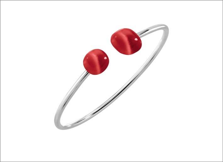 Bracciale rigido in argento con pietra rossa