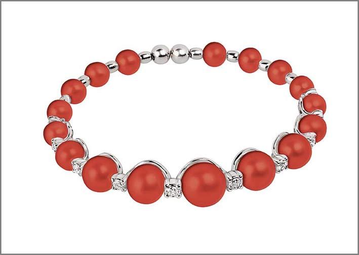 Bracciale con corallo rosso e diamanti