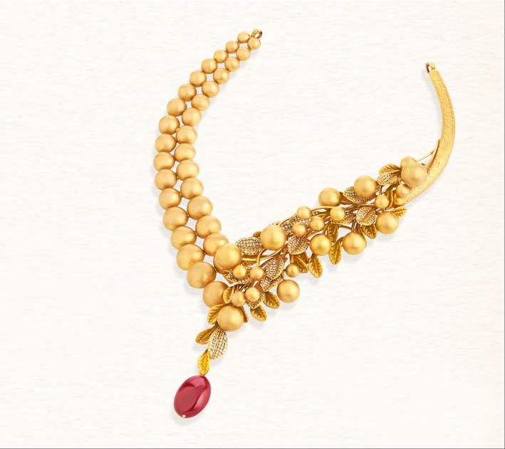Collana in oro e rubino