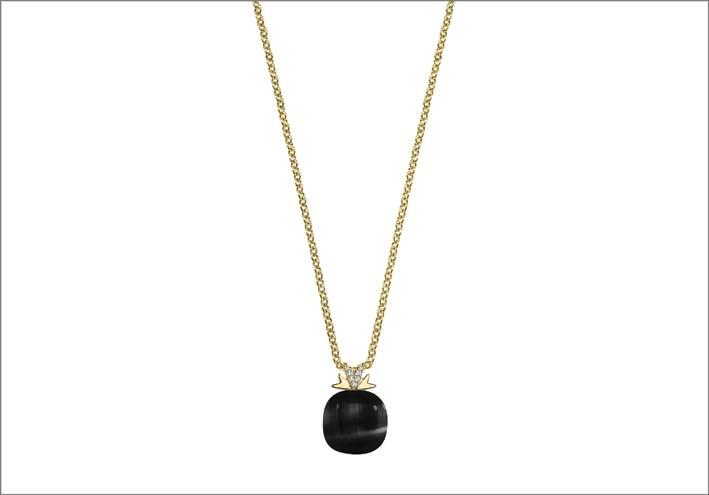Collana in argento con pietra nera