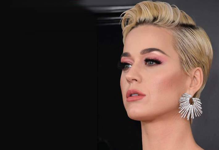 Katy Perry con orecchino by Djula