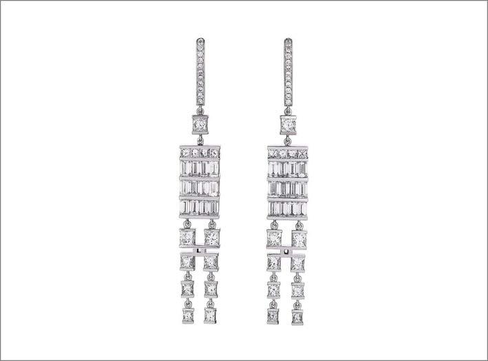 Orecchini in oro bianco 18 carati e diamanti che hanno vinto il premio Inhorgenta 2019