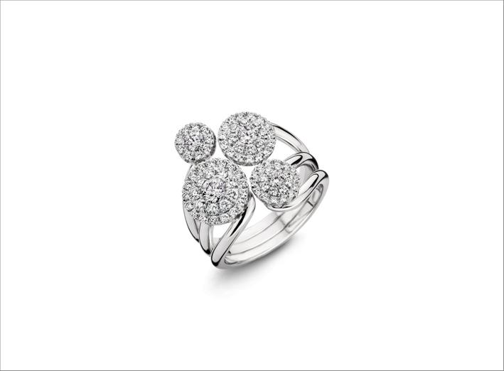 Anello flessibile in oro bianco e diamanti