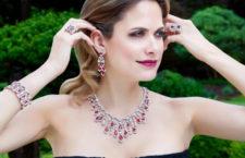 Collier e orecchini con diamanti e rubini