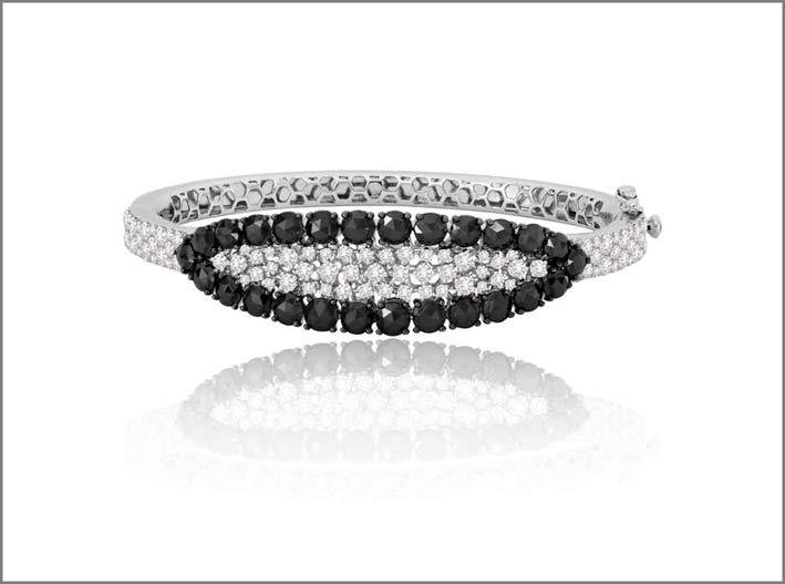 Bracciale con diamanti bianchi e neri
