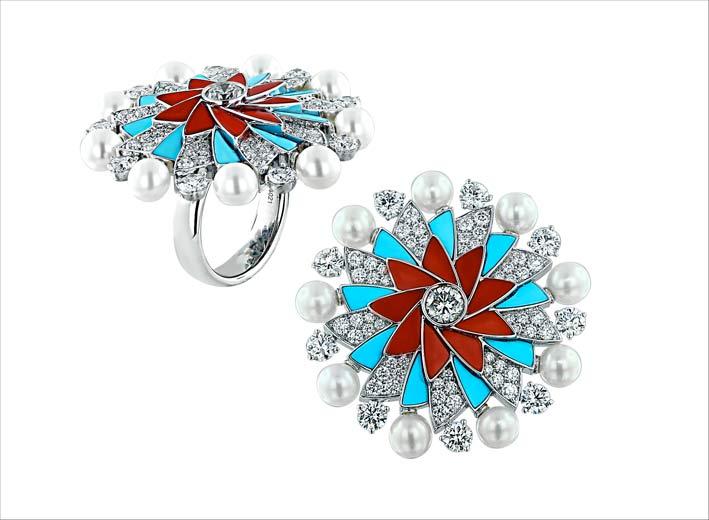 Anello della collezione Infinia con diamanti, perle, turchesi, corallo su oro bianco