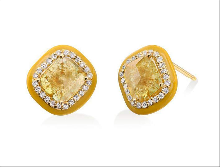 Orecchini in oro giallo, diamanti fancy yellow, diamanti bianchi