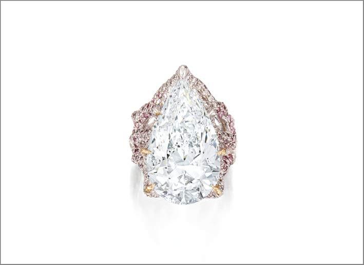 Anello con diamante bianco taglio a pera e diamanti rosa