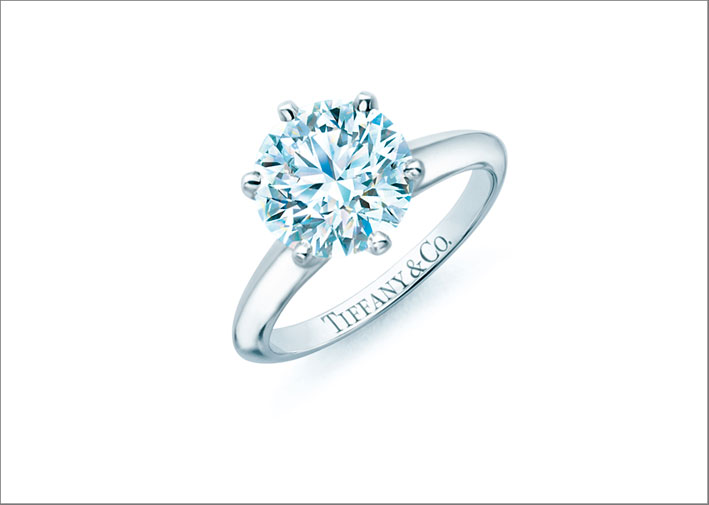 Anello solitario in platino e diamante con il Tiffany Setting